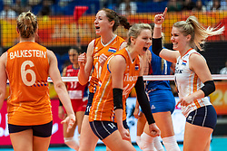 19-10-2018 JPN: Semi Final World Championship Volleyball Women day 20, Yokohama<br /> Serbia - Netherlands / Lonneke Sloetjes #10 of Netherlands, Kirsten Knip #1 of Netherlands