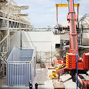 levage du rotor de la turbine a combustion de la Centrale EDF  CCG de Martigues (13) . samedi 13 mai 2017.