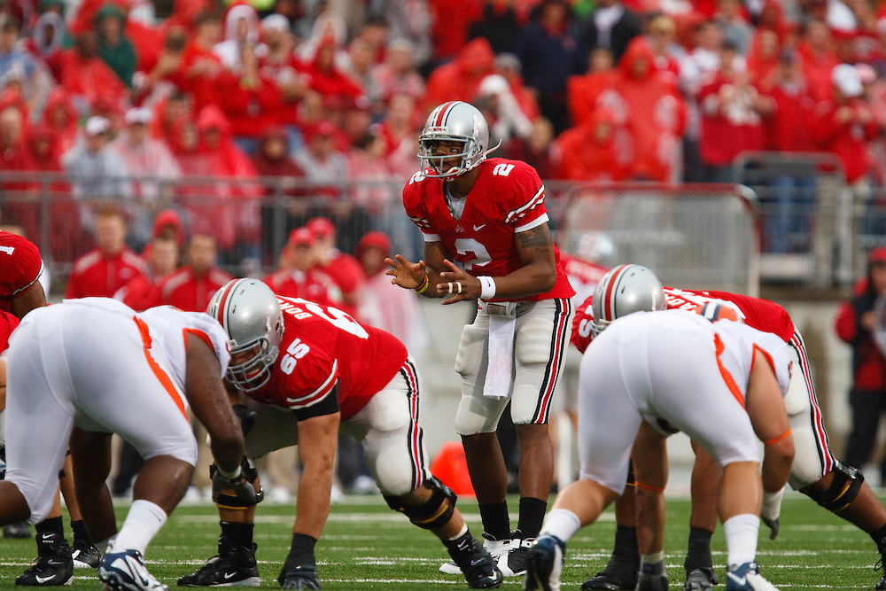 26 September 2009:   #2  Pryor, Terrelle of the Ohio State Buckeyes  during the NCCA football game between Universtity of Illinois and Ohio State Buckeyes at Ohio Stadium in Columbus, Ohio.