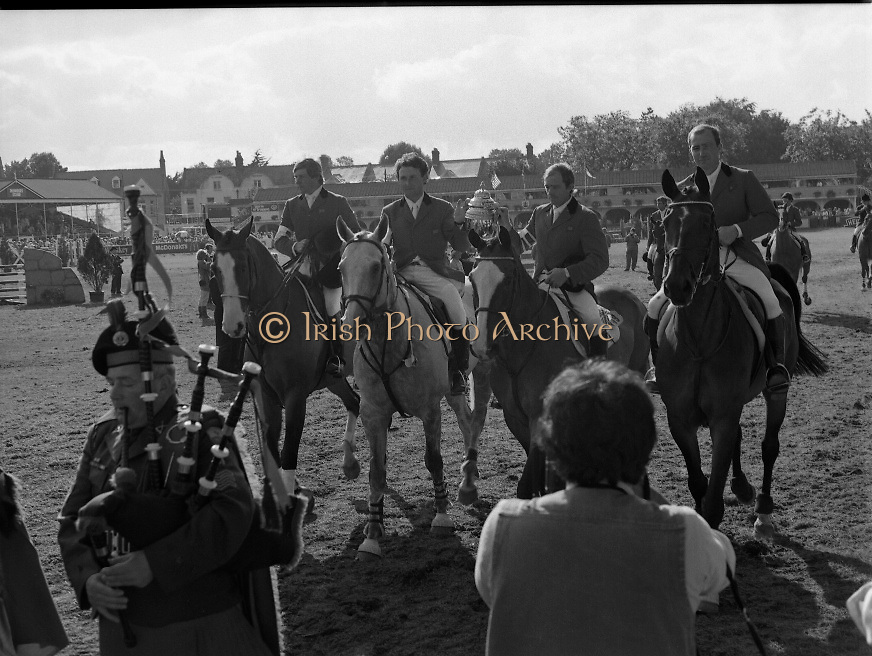 Dublin Horse Show (Aga Khan Cup).1986..08.08.1986..08.08.1986..8th August 1986..The annual Aga Khan Cup competition was held in the R.D.S. Dublin.Four countries competed for the cup this year.FDR Germany,The USA,Great Britain and Ireland. Great Britain were the eventual winners...Image of the competing teams at The RDS as they parade around the arena. The teams are led by the victorious Great Britain team.