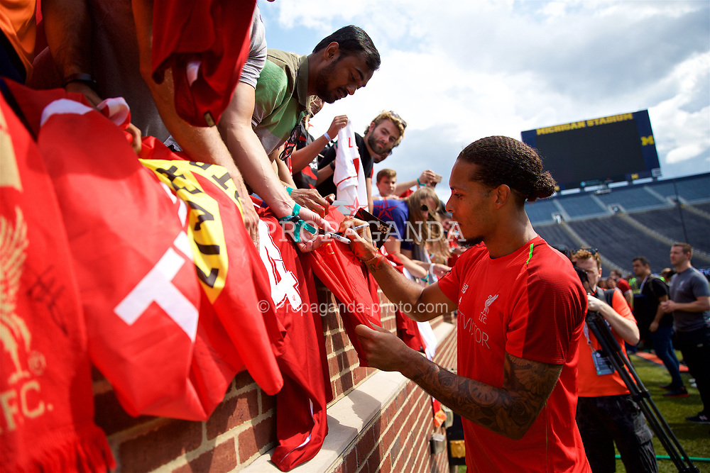 ANN ARBOR, USA - Friday, July 27, 2018: Liverpool's Virgil van Dijk meets supporters after a training session ahead of the preseason International Champions Cup match between Manchester United FC and Liverpool FC at the Michigan Stadium. (Pic by David Rawcliffe/Propaganda)