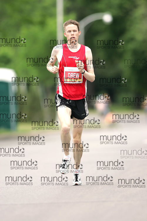 (Ottawa, ON --- May 30, 2010)   STEPHEN DREW running in the marathon during the Ottawa Race Weekend. Photograph copyright Sean Burges / Mundo Sport Images