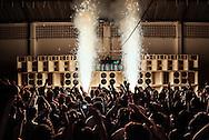 Baile Funk at club Boquerão do Passeio. Soundsystem Furacão 2000, one of the most ancient of the carioca funk scene.  Club Boqueirão, Downtown Rio de Janeiro 2010. ||  Baile Funk no Boquerão do Passeio. Equipe de som Furacão 2000, une des plus anciennes de la scène Funk Carioca. Club du Boqueirão, Centro,