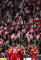 Schweizer Jubel nach dem Tor zum 2:0 mit Ricardo Cabanas, Daniel Gygax, Valon Behrami, Alex Frei und Johan Vonlanthen. © Valeriano Di Domenico/EQ Images