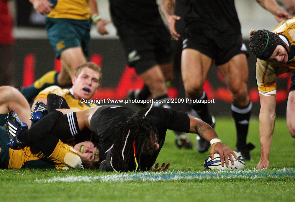 Ma'a Nonu scores the All Blacks' second try.<br /> Investec Tri-Nations - All Blacks v Australia at Westpac Stadium, Wellington. Saturday 19 September 2009. Photo: Dave Lintott/PHOTOSPORT
