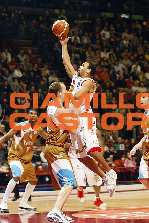 DESCRIZIONE : Milano Lega A1 2006-07 Armani Jeans Milano Tisettanta Cantu<br /> GIOCATORE : Garris<br /> SQUADRA : Armani Jeans Milano<br /> EVENTO : Campionato Lega A1 2006-2007 <br /> GARA : Armani Jeans Milano Tisettanta Cantu <br /> DATA : 26/11/2006 <br /> CATEGORIA : Tiro<br /> SPORT : Pallacanestro <br /> AUTORE : Agenzia Ciamillo-Castoria/G.Cottini<br /> Galleria : Lega Basket A1 2006-2007 <br /> Fotonotizia : Milano Campionato Italiano Lega A1 2006-2007 Armani Jeans Milano Tisettanta Cantu<br /> Predefinita :