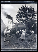early mechanical grain threshing circa early 1920s
