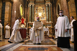 "Livio Corazza Bishop of Forl""-Bertinoro holding in his hands the Blessed Virgin with the child considered the protector of the city ""Virgen del Fuoco"" in the Cathedral of Santa Mar'a del Fiore during a religious ceremony to ask the end of the coronavirus pandemic. On April 19, 2020 in Florence, Italy. Photo by Albano Venturini/Eyepix/ABACAPRESS.COM"