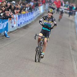 09-01-2016: Wielrennen: NK Veldrijden: Hellendoorn<br />HELLENDOORN (NED) veldrijden<br />Op de flanken van de Sallandse Heuvelrug streden de veldrijders om de Nederlandse titel.<br />Fleur Nagengast prolongeert de titel in het veld bij de junior vrouwen