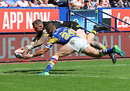 Josh Charnley of Warrington Wolves scores the second try against Leeds Rhinos during the Ladbrokes Challenge Cup Semi Final match at the Macron Stadium Stadium, Bolton.<br /> Picture by Michael Sedgwick/Focus Images Ltd +44 7900 363072<br /> 05/08/2018