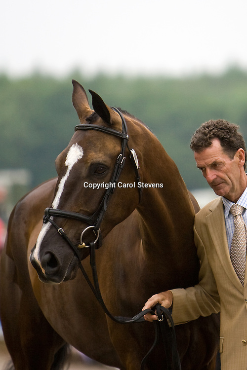 Mark Todd and NZB Mouse at the vet inspection Bramham Horse Trials 2010