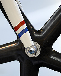 29-12-2006 WIELRENNEN: NK BAANRENNEN 2006: ALKMAAR<br /> Baanrennen wielrennen item banden spaken wiel<br /> ©2006-WWW.FOTOHOOGENDOORN.NL