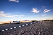 Andrea Gallo tijdens de laatste race. In Battle Mountain (Nevada) wordt ieder jaar de World Human Powered Speed Challenge gehouden. Tijdens deze wedstrijd wordt geprobeerd zo hard mogelijk te fietsen op pure menskracht. Het huidige record staat sinds 2015 op naam van de Canadees Todd Reichert die 139,45 km/h reed. De deelnemers bestaan zowel uit teams van universiteiten als uit hobbyisten. Met de gestroomlijnde fietsen willen ze laten zien wat mogelijk is met menskracht. De speciale ligfietsen kunnen gezien worden als de Formule 1 van het fietsen. De kennis die wordt opgedaan wordt ook gebruikt om duurzaam vervoer verder te ontwikkelen.<br /> <br /> In Battle Mountain (Nevada) each year the World Human Powered Speed Challenge is held. During this race they try to ride on pure manpower as hard as possible. Since 2015 the Canadian Todd Reichert is record holder with a speed of 136,45 km/h. The participants consist of both teams from universities and from hobbyists. With the sleek bikes they want to show what is possible with human power. The special recumbent bicycles can be seen as the Formula 1 of the bicycle. The knowledge gained is also used to develop sustainable transport.