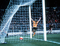 Andy Gray (9) wheels away after scoring the winning goal for Wolves. Wolverhampton Wanderers v Nottingham Forest, League Cup FInal, Wembley Stadium, 15/03/1980. Credit: Colorsport