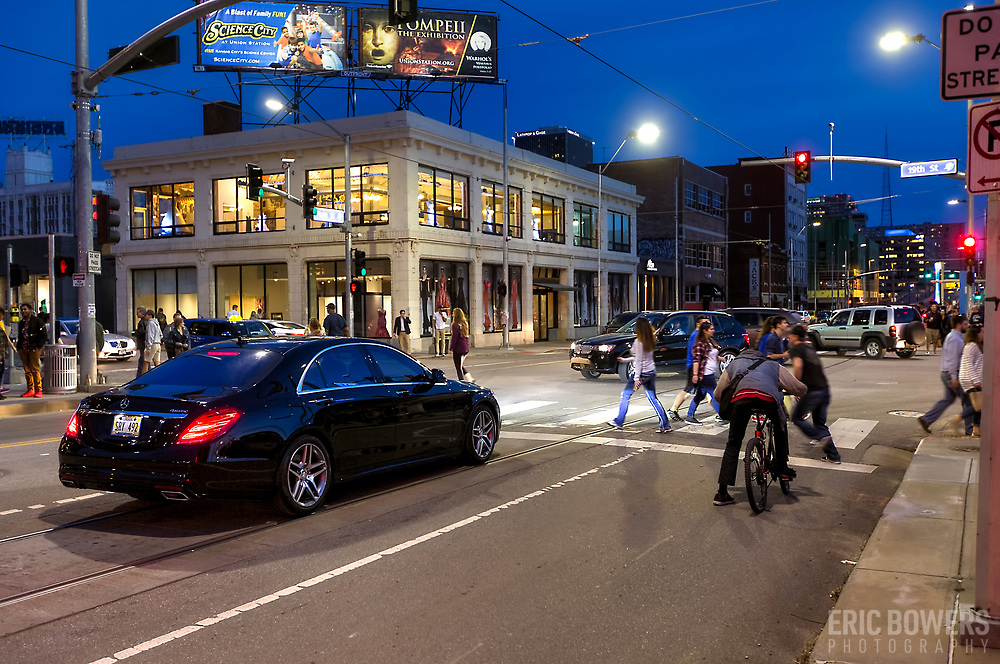 Car and pedestrian traffic at 20th and Main Streets, Kansas City, Missouri