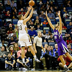 Jan 28, 2016; New Orleans, LA, USA; New Orleans Pelicans forward Ryan Anderson (33) shoots over Sacramento Kings forward Omri Casspi (18) during the first quarter of a game at the Smoothie King Center. Mandatory Credit: Derick E. Hingle-USA TODAY Sports