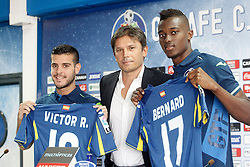 05.08.2015, Coliseum Alfonso Perez, Getafe, ESP, Primera Division, FC Getafe, Spielerpräsentation, im Bild Getafe's new players Bernard Mensah (r) and Victor Rodriguez (l) with the General Manager Toni Munoz during their official presentation // during Official Player Presentation of Spanish Primera Division club Getafe cf at the Coliseum Alfonso Perez in Getafe, Spain on 2015/08/05. EXPA Pictures © 2015, PhotoCredit: EXPA/ Alterphotos/ Acero<br /> <br /> *****ATTENTION - OUT of ESP, SUI*****