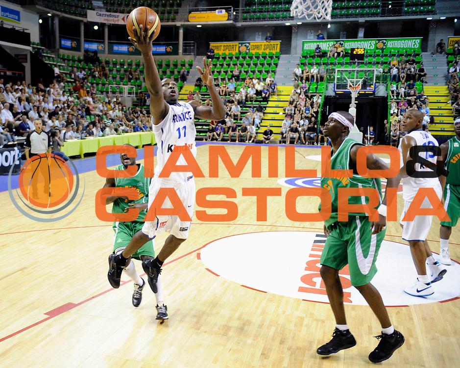 DESCRIZIONE : Tournoi Villeurbanne Preparation Championnat du monde France Cote D'Ivoire<br /> GIOCATORE : Pietrus Florent<br /> SQUADRA : France<br /> EVENTO : France Basket Homme 2010<br /> GARA : France Cote d' Ivoire<br /> DATA : 22/08/2010<br /> CATEGORIA : Basketball Action Homme<br /> SPORT : Basketball<br /> AUTORE : JF Molliere FFBB par Agenzia Ciamillo-Castoria <br /> Galleria : France Basket Action Homme 2010 <br /> Fotonotizia : Tournoi Villeurbanne Preparation Championnat du monde France Cote D'Ivoire<br /> Predefinita :