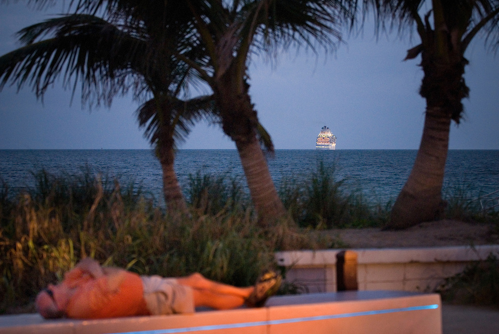 Travel story about Fort Lauderdale, Florida.A cruise ship leaves for the Carribean. Man sleeping...Photographer: Chris Maluszynski /MOMENT