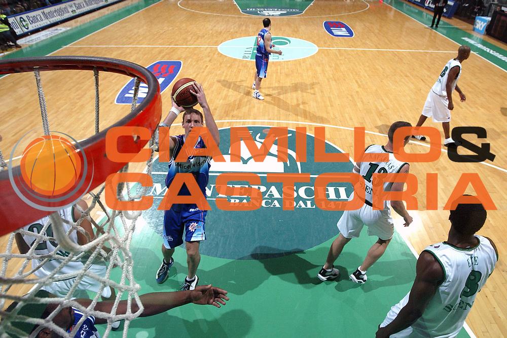 DESCRIZIONE : Siena Lega A1 2005-06 Montepaschi Siena Vertical Vision Cantu <br /> GIOCATORE : Katelinas <br /> SQUADRA : Vertical Vision Cantu <br /> EVENTO : Campionato Lega A1 2005-2006 <br /> GARA : Montepaschi Siena Vertical Vision Cantu <br /> DATA : 19/11/2005 <br /> CATEGORIA : Tiro <br /> SPORT : Pallacanestro <br /> AUTORE : Agenzia Ciamillo-Castoria/G.Ciamillo