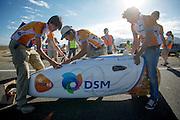 De VeloX2 met Jan Bos wordt dicht getapet. In de buurt van Battle Mountain, Nevada, strijden van 10 tot en met 15 september 2012 verschillende teams om het wereldrecord fietsen tijdens de World Human Powered Speed Challenge. Het huidige record is 133 km/h.<br /> <br /> The VeloX2 is being taped. Near Battle Mountain, Nevada, several teams are trying to set a new world record cycling at the World Human Powered Vehicle Speed Challenge from Sept. 10th till Sept. 15th. The current record is 133 km/h.
