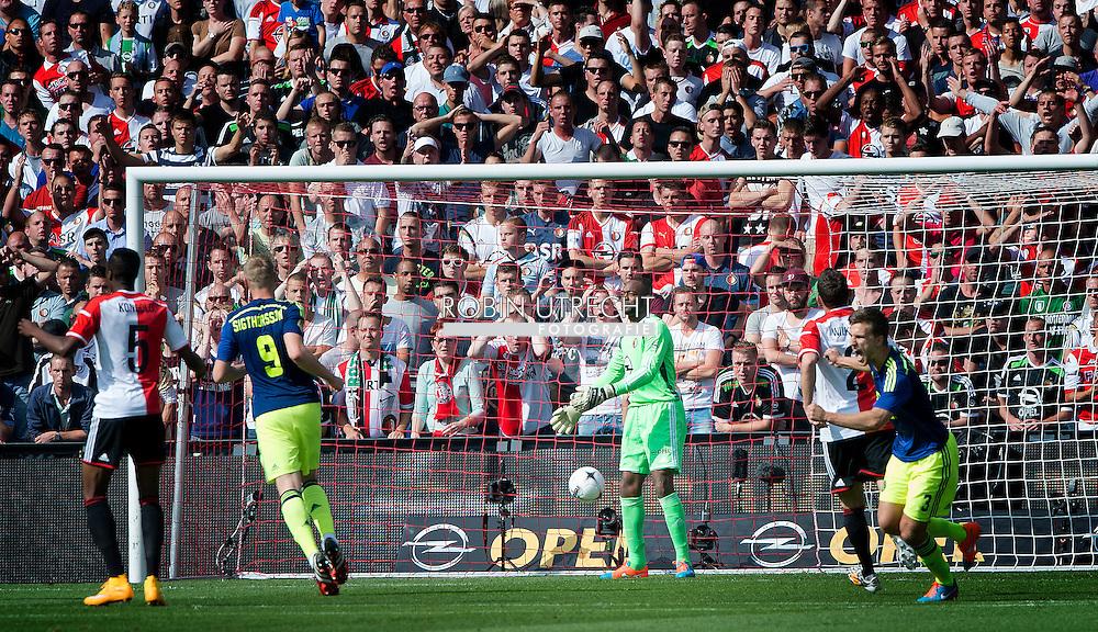 ROTTERDAM - Feyenoords keeper Kenneth Vermeer baalt na de 0-1  wedstrijd Feyenoord ajax in de Kuip , Feyenoord verloor de wedstrijd met 0-1  in actie  COPYRIGHT ROBIN UTRECHT