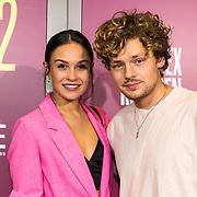 NLD/Amsterdam/20191007 - Premiere van De Alex Klaasen Revue - Showponies 2, Soy Kroon met partner Holly Mae Brood