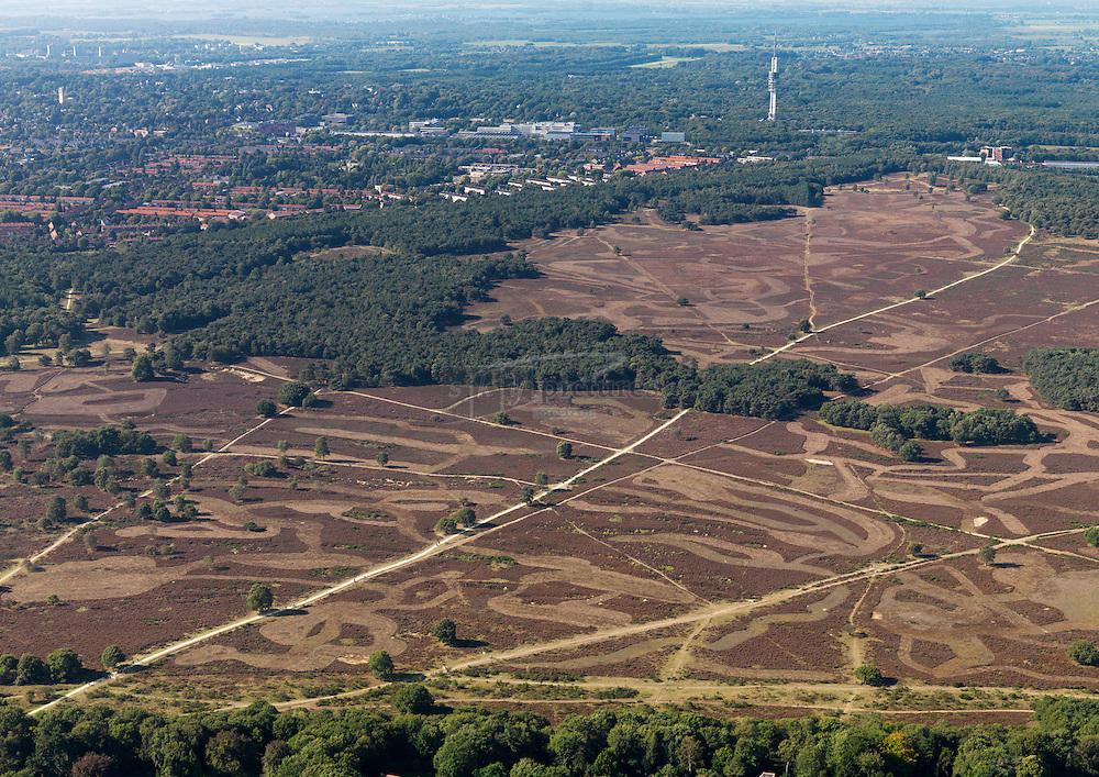 Heideveld Hilversum met op de achtergrond het mediapark