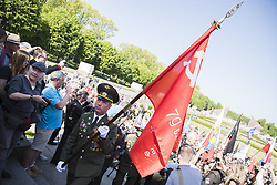 May 9, 2018 - Berlin, Germany - Veterans arrive to commemorate on the 73rd anniversary of the victory of the Soviet Red Army over Nazi Germany at the Soviet World War II cemetery and memorial in Treptow on May 9, 2018 in Berlin, Germany. (Credit Image: © Emmanuele Contini/NurPhoto via ZUMA Press)