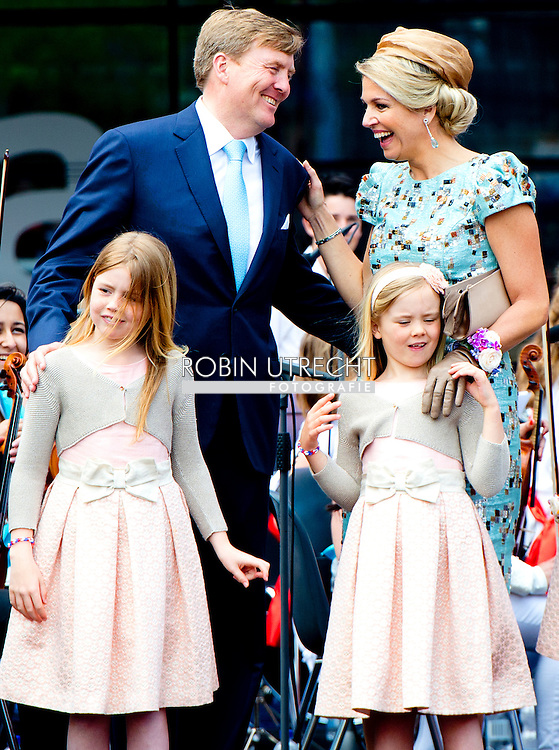 25-4-2014 AMSTELVEEN - The first kings day of King Willem alexander and Queen maxima in the Rijp and Amstelveen with the three princesses Amalia Ariane aND ALEXIA . With Princess beatrix  , Pieter van Vollenhoven Princess Margriet Prince Constantijn Princess Laurentien COPYRIGHT ROBIN UTRECHT