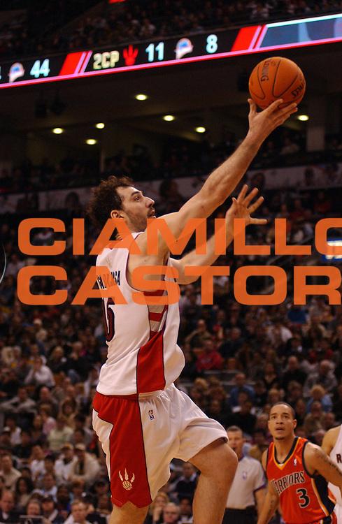 DESCRIZIONE : Toronto Campionato NBA 2006-2007 Toronto Raptors-Golden State Warriors<br /> GIOCATORE : Garbajosa<br /> SQUADRA : Toronto Raptors <br /> EVENTO : Campionato NBA 2006-2007 <br /> GARA : Toronto Raptors Golden State Warriors<br /> DATA : 17/12/2006 <br /> CATEGORIA : <br /> SPORT : Pallacanestro <br /> AUTORE : Agenzia Ciamillo-Castoria/V.Keslassy<br /> Galleria : NBA 2006-2007 <br /> Fotonotizia : Toronto Campionato NBA 2006-2007 Toronto Raptors Golden State Warriors<br /> Predefinita :