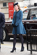 MAR 20 2013 The Queen and Duchess of Cambridge at Baker St tube station