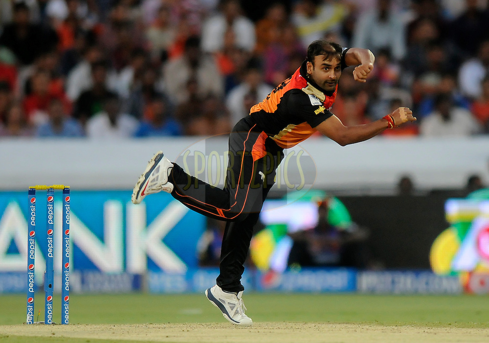 Amit Mishra of the Sunrisers Hyderabad bowls during match 39 of the Pepsi Indian Premier League Season 2014 between the Sunrisers Hyderabad and the Kings XI Punjab held at the Rajiv Gandhi Cricket Stadium, Hyderabad, India on the 14th May  2014<br /> <br /> Photo by Pal Pillai / IPL / SPORTZPICS<br /> <br /> <br /> <br /> Image use subject to terms and conditions which can be found here:  http://sportzpics.photoshelter.com/gallery/Pepsi-IPL-Image-terms-and-conditions/G00004VW1IVJ.gB0/C0000TScjhBM6ikg