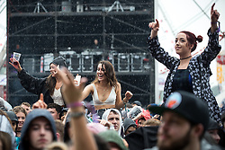 © Licensed to London News Pictures . 11/06/2016 . Manchester , UK . Crowds watching Soul II Soul on the main stage at the Parklife music festival at Heaton Park in Manchester . Photo credit : Joel Goodman/LNP