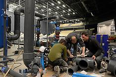 20131203 EM Svømning - Dag 2 - Bassin bygges