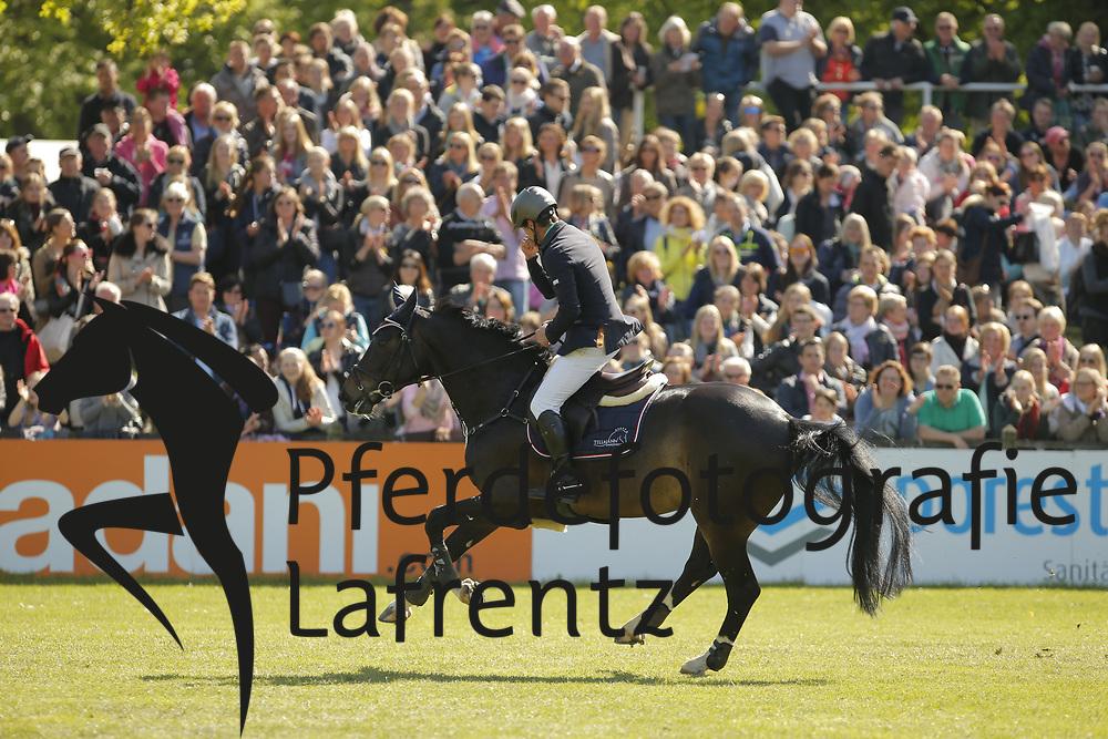 Tillmann, Gilbert, Hadjib<br /> Hamburg - Hamburger Derby 2015<br /> 2. Qualifikation zum Deutschen Springderby<br /> Riders Tour Wertungsprüfung<br /> © www.sportfotos-lafrentz.de/Stefan Lafrentz