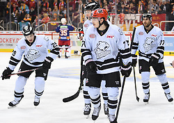 17.01.2020, ISS Dome, Duesseldorf, GER, DEL, Duesseldorfer EG vs Nürnberg Ice Tigers, 38. Runde, im Bild Daniel Fischbuch (71, Thomas Sabo Ice Tigers ) Tim Bender (77, Thomas Sabo Ice Tigers ) Jack Skille (29, Thomas Sabo Ice Tigers ) links // during the DEL 38th round match between Duesseldorfer EG and Nürnberg Ice Tigers at the ISS Dome in Duesseldorf, Germany on 2020/01/17. EXPA Pictures © 2020, PhotoCredit: EXPA/ Eibner-Pressefoto/ Birgit Haefner<br /> <br /> *****ATTENTION - OUT of GER*****