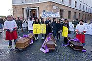 Roma, 17 Dicembre 2014<br /> Manifestazione di lavoratori della sanit&agrave;, a rischio  licenziamento dell' Aurelia Hospital, della European Hospital e della casa di Cura Citt&agrave; di Roma. Circa 160 lavoratori saranno licenziati  e altri 2000 lavoratori rischiano il licenziamento perch&egrave; la Regione Lazio ha tagliato i  fondi per le prestazioni salvavita.I lavoratori fanno il funerale alla sanit&agrave; davanti al Ministero della Sanit&agrave;<br /> Rome, December 17, 2014<br /> Demonstration by health workers, at risk of dismissal of the Aurelia Hospital, the European Hospital and Home Care City of Rome. About 160 workers will be laid off and another 2000 workers risk dismissal because the Lazio Region has cut funds for life-saving performance. The workers make the funeral to the Health  in front of the  Ministry of Health.
