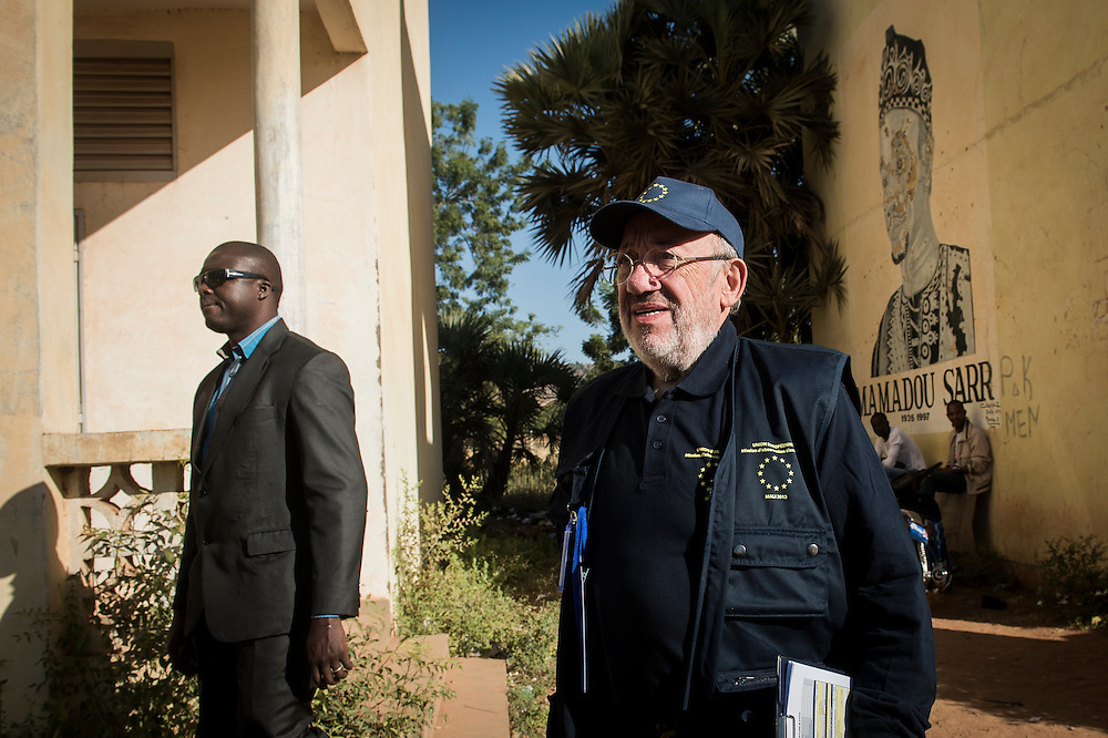 Bamako, Mali 24 November 2013<br /> EU Chief Observer Louis Michel monitors a polling station during the elections day.<br /> At the request of the Malian authorities, the European Union had deployed an election observation mission for the legislative elections scheduled for November and December 2013 in Mali.<br /> Photo: EU EOM Mali / Ezequiel Scagnetti