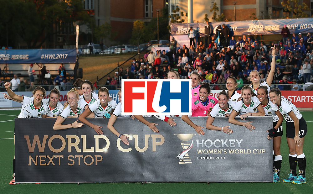 JOHANNESBURG, SOUTH AFRICA - JULY 23:  Germany players pose after securing world cup qualification during day 9 of the FIH Hockey World League Women's Semi Finals at Wits University on July 23, 2017 in Johannesburg, South Africa.  (Photo by Jan Kruger/Getty Images for FIH)