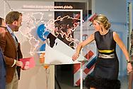 Nederland, Eindhoven, 20170407.<br /> Koningin Maxima opent hoofdkantoor van StudyPortals in het Klokgebouw op Strijp-S in Eindhoven.<br /> Koningin Maxima ontmoet enkele studenten die door gebruik van StudyPortals hun opleiding in het buitenland hebben gevonden.<br /> De missie van StudyPortals is het wereldwijd transparant en toegankelijk maken van studiemogelijkheden via een online internationaal studiekeuze platform.<br /> <br /> Netherlands, Eindhoven<br /> Queen Maxima opens headquarters of StudyPortals in Eindhoven.<br /> Queen Maxima meet some students who found their education abroad through StudyPortals.<br /> The mission of StudyPortals is to make learning opportunities transparent and accessible worldwide. Through an international online study platform.