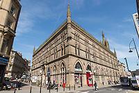 Le Woolexchange, une église qui est maintenant une librairie.