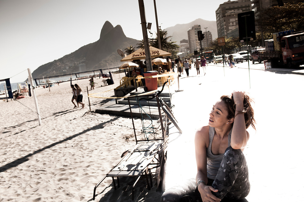 Rio de Janeiro, Brasil, September 13 of 2013:  Maria Clara Salgado shooting at  Ipanema beach. (photo: Caio Guatelli)