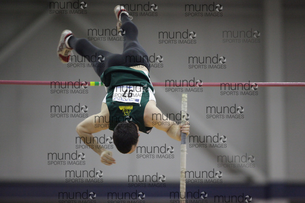 Windsor, Ontario ---14/03/09--- Eric Foley of  Universite de Sherbrooke competes in the pole vault at the CIS track and field championships in Windsor, Ontario, March 14, 2009..GEOFF ROBINS Mundo Sport Images