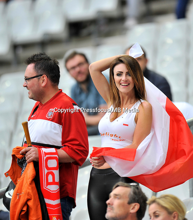 2016.06.16 Saint-Denis<br /> Pilka nozna Euro 2016<br /> mecz grupy C Polska - Niemcy<br /> N/z Kibice Polski Fans Poland, Kobieta<br /> Foto Norbert Barczyk / PressFocus<br /> <br /> 2016.06.16 Saint-Denis<br /> Football UEFA Euro 2016 group C game between Poland and Germany<br /> Kibice Polski Fans Poland, Kobieta<br /> Credit: Norbert Barczyk / PressFocus