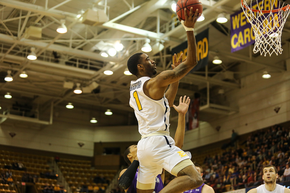 March 4, 2018 - Asheville, North Carolina - U.S. Cellular Center: ETSU guard Desonta Bradford (1)<br /> <br /> Image Credit: Dakota Hamilton/ETSU