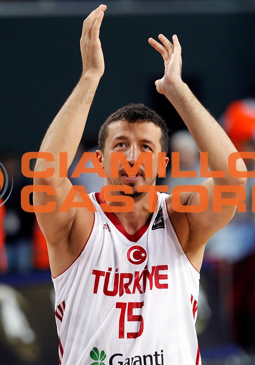 DESCRIZIONE : Istanbul Turchia Turkey Men World Championship 2010 Eight Finals Campionati Mondiali Ottavi di Finale Turkey France<br /> GIOCATORE : Hidayet Turkoglu<br /> SQUADRA : Turkey Turchia<br /> EVENTO : Istanbul Turchia Turkey Men World Championship 2010 Campionato Mondiale 2010<br /> GARA : Turkey France Turchia Francia<br /> DATA : 05/09/2010<br /> CATEGORIA : ritratto headshot esultanza jubilation<br /> SPORT : Pallacanestro <br /> AUTORE : Agenzia Ciamillo-Castoria/M.Kulbis<br /> Galleria : Turkey World Championship 2010<br /> Fotonotizia : Istanbul Turchia Turkey Men World Championship 2010 Eight Finals Campionati Mondiali Ottavi di Finale Turkey France<br /> Predefinita :