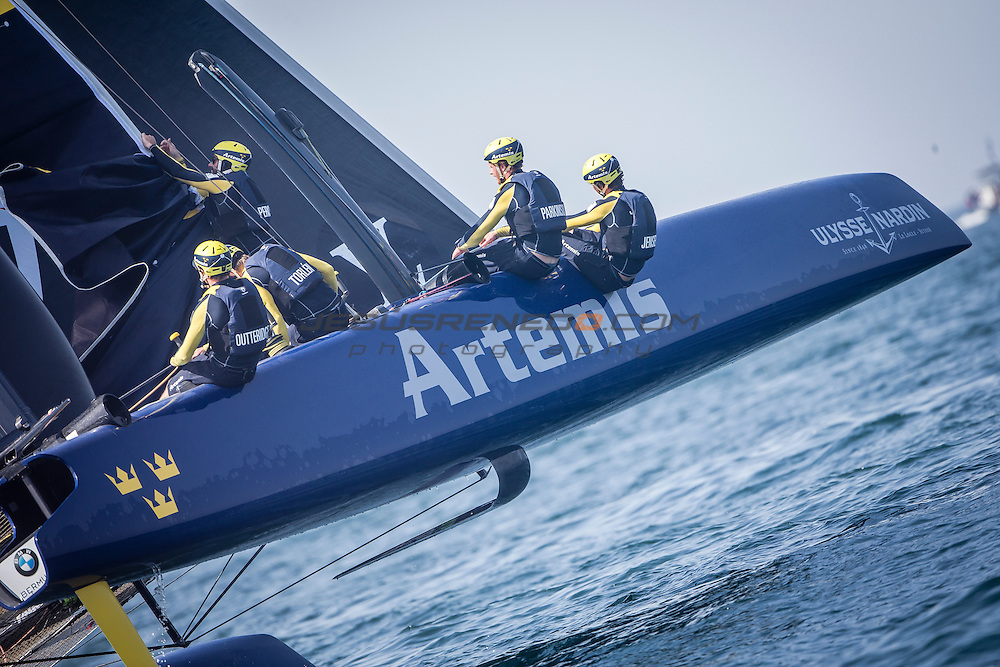 America's Cup arrives in Muscat.Practice race.Louis Vuitton America's Cup World Series Oman 2016.First day of racing.-Artemis Racing<br /> Skipper and Helmsman - Nathan Outteridge<br /> Team Manager - Iain Percy<br /> Nathan Outteridge,Iain Percy,Luke Parkinson,Kalle Torlen,Chris Brittle. &nbsp;.Muscat ,The Sultanate of Oman.Image licensed to Jesus Renedo/Lloyd images/Oman Sail