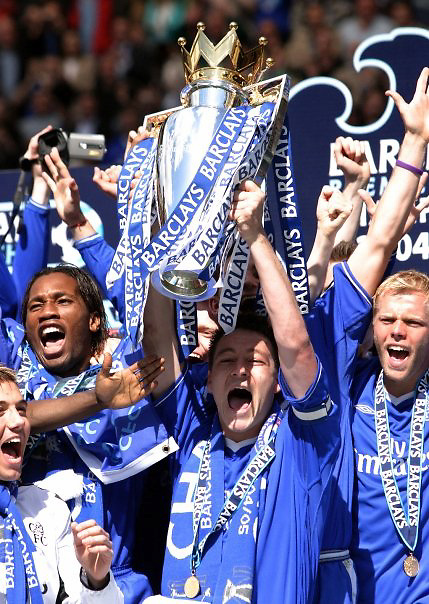Chelsea Barclays Premier League Champions. Captain John Terry Lifts the Premier league Trophy.