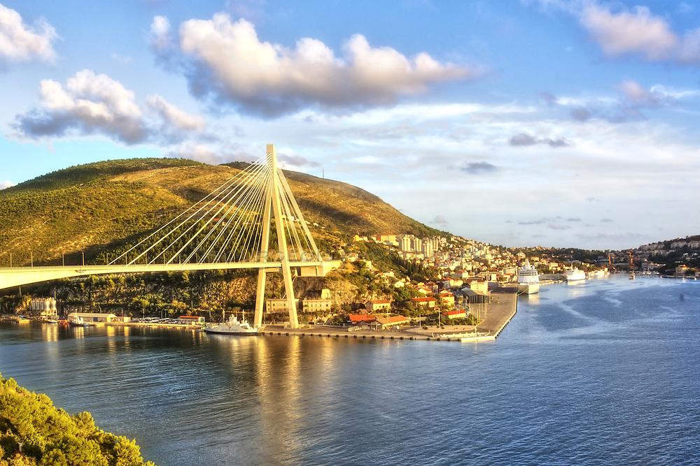 HDR, Dalmatia, Dubrovnik, bridge, cruise ship, entering town, Dalmatian coast